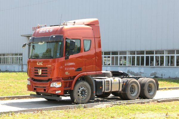 联合卡车 U480重卡 480马力 6X4牵引车