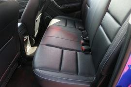域虎7皮卡驾驶室                                               图片