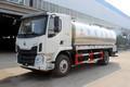 东风柳汽 新乘龙M3 180马力 4X2 6米罐式鲜奶运输车