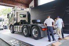 解放J6P牵引车外观                                                图片