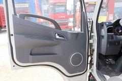 骏铃V3载货车驾驶室                                               图片