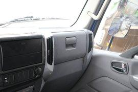 瑞沃ES3自卸车驾驶室                                               图片
