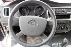 新豹载货车驾驶室                                               图片