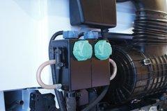 达夫CF牵引车底盘                                                图片