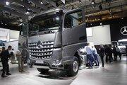 奔驰 新Arocs重卡 510马力 4X2牵引车(型号1851 LS)