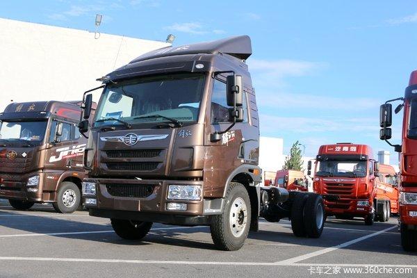 解放 麟VH中卡 160马力 4X2 5.4米排半仓栅式载货车
