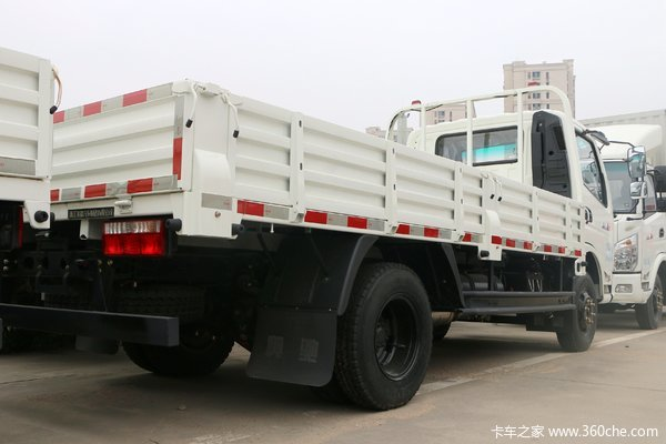 飞碟奥驰 A1系列 102马力 4.17米单排栏板轻卡(FD1040W16K5-4)