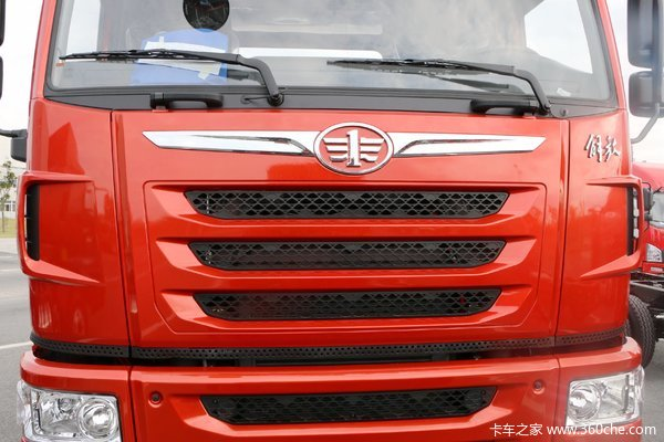 降价促销青岛解放天V牵引车仅售36.6万