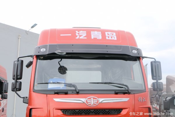 青岛解放 天V重卡 460马力 6X4 LNG牵引车(国六)(CA4250P2K8T1NE6A80)
