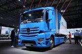 奔驰 新Actros 4X2电动冷藏车