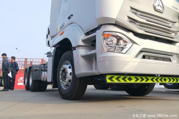 购HOWO N7G牵引车 享高达1万优惠