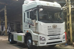 青岛解放 JH6重卡 33.3T 4X2纯电动牵引车(CA4180P26BEVA80)