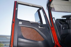 解放J7牵引车驾驶室                                               图片