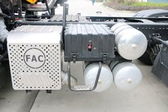 一汽凌河 F200重卡 460马力 6X4 牵引车(CAL4251C4GF4E5) 卡车图片