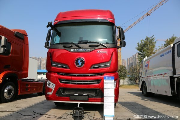 陕汽重卡 德龙X6000 660马力 6X4 AMT自动挡牵引车(国六)