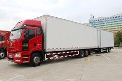 一汽解放 新J6P重卡 领航版 460马力 6X2R 9.65米中置轴载货车(CA5250XXYP66K24L6T2E5) 卡车图片