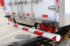 一汽解放 新J6P重卡 领航版 460马力 6X2R 9.65米中置轴载货车(CA5250XXYP66K24L6T2E5)