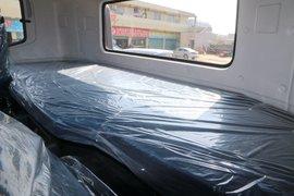 东风天龙VL牵引车驾驶室                                               图片