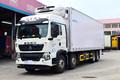 中国重汽 HOWO T5G 340马力 8X4 9.42米冷藏车(ZZ5317XLCN466GE1B)图片