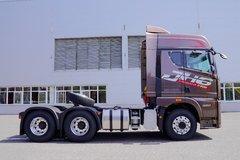 青岛解放 JH6重卡 四季款 智尊版 550马力 6X4牵引车(CA4259P25K2T1E5A80) 卡车图片