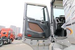 一汽解放 J7重卡 豪华版 550马力 6X4 AMT自动挡牵引车(CA4250P77K25T1E5)