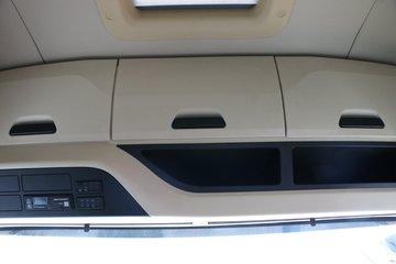 陕汽重卡 德龙X6000 500马力 6X2 AMT自动挡牵引车(中提升)(SX4250GC3)图片