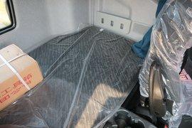 解放J6P牵引车驾驶室                                               图片
