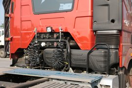 解放J6P牵引车底盘                                                图片