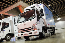 跃进 超越EC100 3.1T 4米单排纯电动双温冷藏车