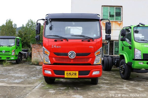 东风新疆 拓行 350马力 8X4 6.8米自卸车