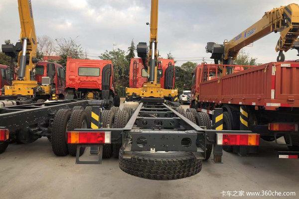 徐州东风柳汽底盘随车吊12吨吊机仅42万