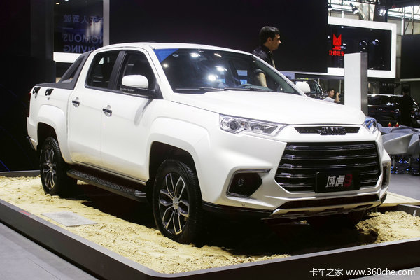 江铃 域虎9 2020款 舒享型 2.0T柴油 141马力 6挡手动 四驱 双排皮卡