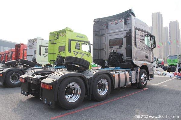 新年优惠2万解放J7牵引车促销中