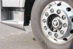 一汽解放 J7重卡 豪华版 550马力 6X4 AMT自动挡牵引车(CA4250P77K25T1E5) 卡车图片