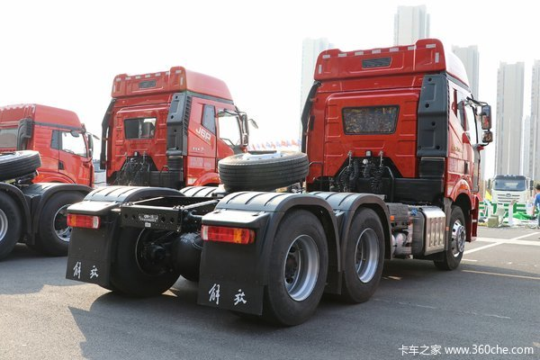 降价促销泰州解放J6P牵引车仅售32.96万