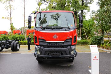 东风柳汽 新乘龙M3 180马力 4X2 4.5米自卸车