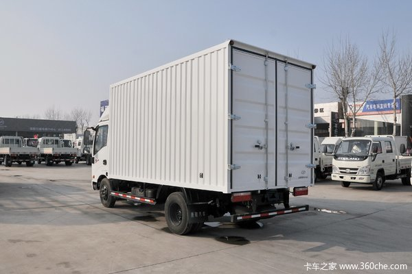 新车到店唐骏T3潍柴110马力厢式轻卡