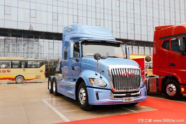 江淮 格尔发V7重卡 560马力 6X4 AMT自动挡长头牵引车(国六b)