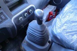 骏铃V6载货车驾驶室                                               图片