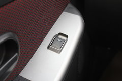 江铃 宝典 2012款 两驱 2.8L柴油 单排皮卡(右舵)