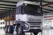 一汽凌河 沪尊S200重卡 舒适版 500马力 6X4 牵引车(CAL4253C4F4E5)