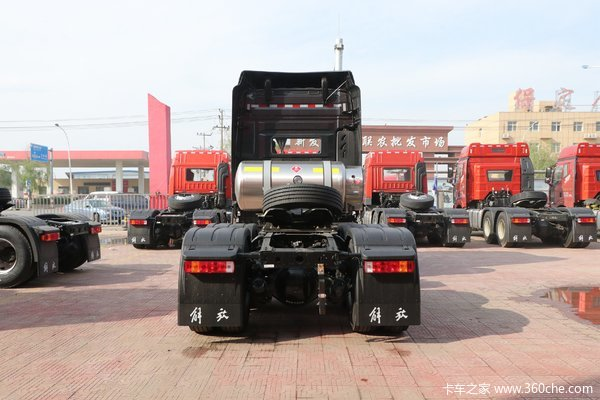 回馈客户解放JH6牵引车仅售43.50万