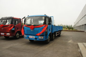 一汽解放 J6L中卡 220马力 6X2 8.7米栏板载货车(CA1190P62K1L7T3E4)