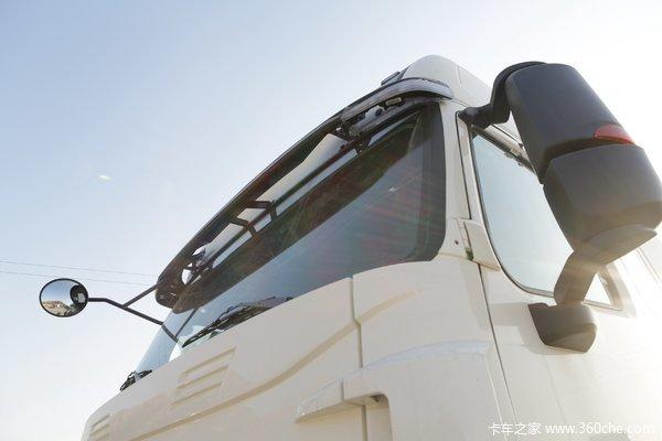 中国重汽 HOWO T7H重卡 440马力 6X4牵引车(12挡)(ZZ4257V324HE1B)