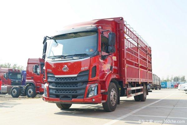 东风柳汽 新乘龙M3中卡 185马力 4X2 6.8米仓栅式载货车