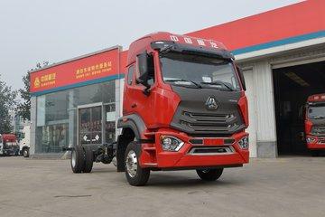 中国重汽 HOWO N5W中卡 220马力 4X2 6.75米栏板载货车(高顶)