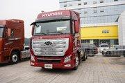 现代商用车(原四川现代) 新一代创虎 460马力 6X4 LNG牵引车(国六)(CHM4250KPQ52NT)