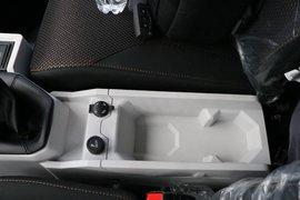 飞碟W5载货车驾驶室                                               图片