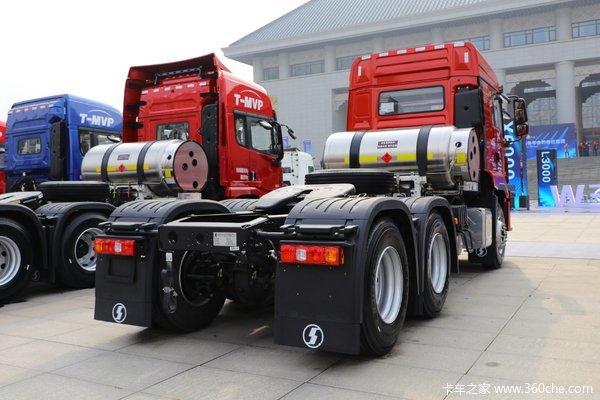 回馈客户德龙M3000S牵引车仅售40.30万