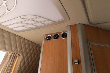 东风柳汽 乘龙T7L生活舱 600马力 6X4 AMT自动挡牵引车(国六)图片